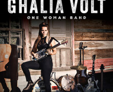 Ghalia Volt : One Woman Band