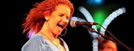 Teresa James & The Rhythm Tramps, Live